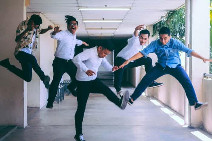 kids-jumping-min